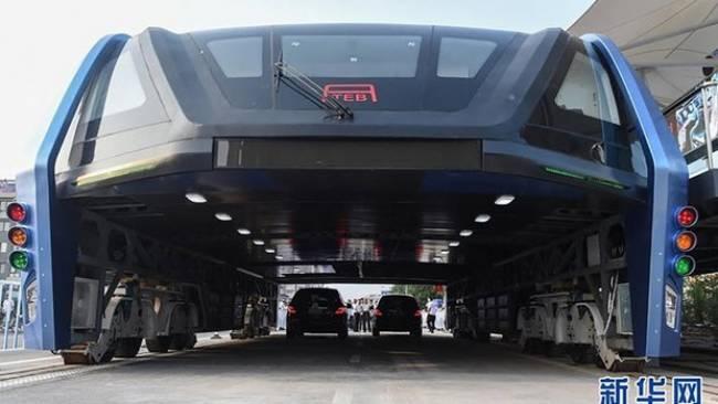 Çin'in çılgın otobüsü depoda çürüyor