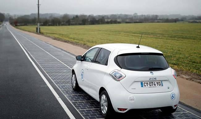 Dünyada bir ilk: Trafiğe açılan güneş enerjili yol