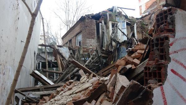 Edremit te bir tarihi bina daha yağmur sonrası yıkıldı #1