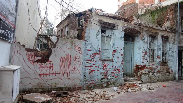 Edremit te bir tarihi bina daha yağmur sonrası yıkıldı #2