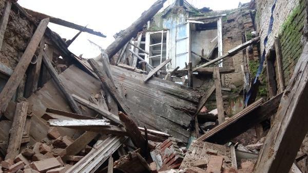 Edremit te bir tarihi bina daha yağmur sonrası yıkıldı #3