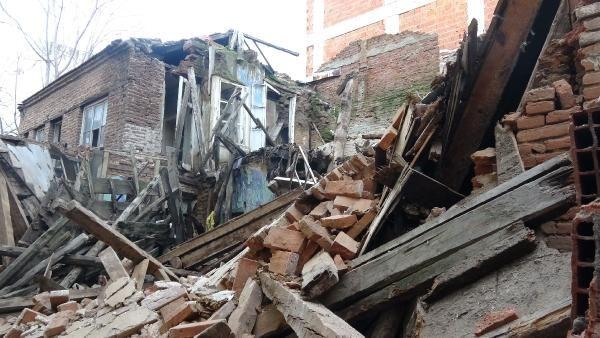 Edremit te bir tarihi bina daha yağmur sonrası yıkıldı #4