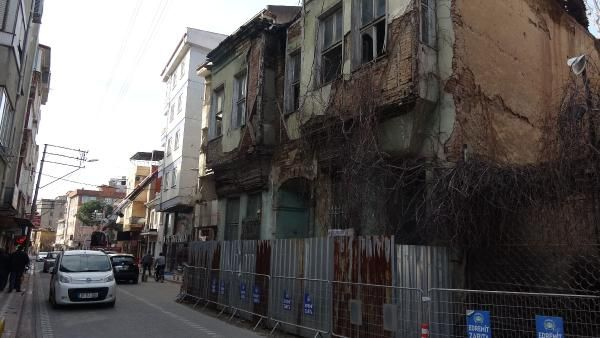 Edremit te bir tarihi bina daha yağmur sonrası yıkıldı #6