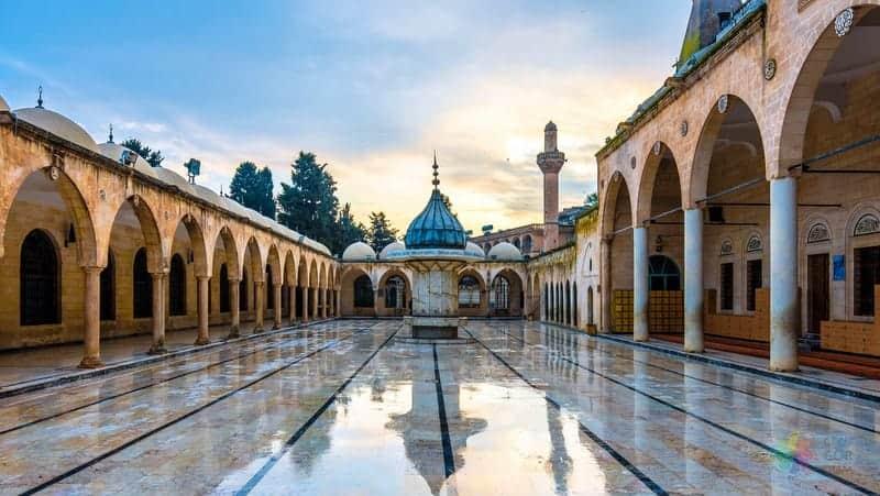 Mevlid i Halil Cami Şanlıurfa gezilecek yerler